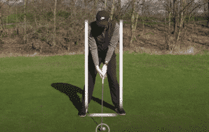 what is the proper golf stance